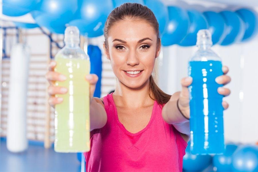 Czy warto pić napoje izotoniczne?